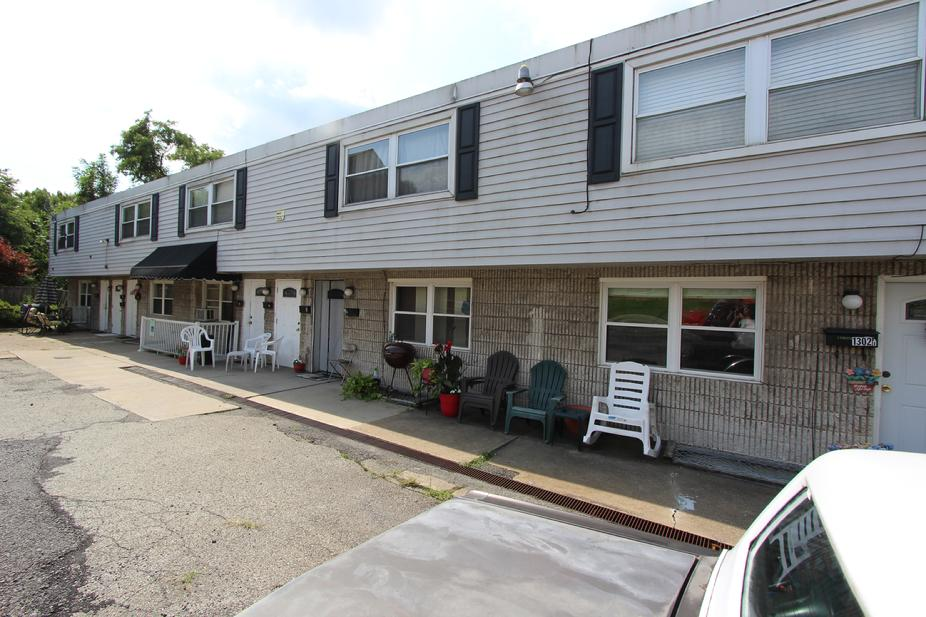 17 UNIT APARTMENT BUILDING FOR SALE NEAR PITTSBURGH