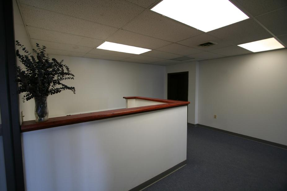 PRIME OFFICE SPACE FOR RENT KENNEDY TWP PA