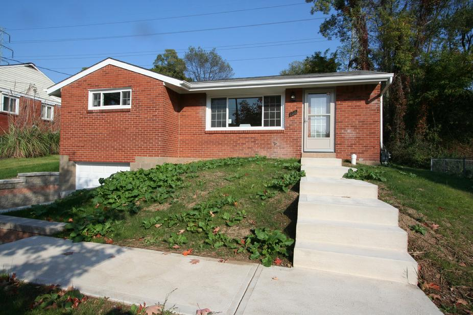 Newly renovated 3 bedroom 2 bath house for sale Monroeville, PA, USDA LOCATION - 100% FINANCING AVAILABLE