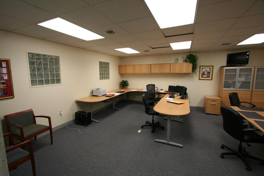 6,400 SF CLASS A OFFICE SPACE FOR RENT / SALE MONROEVILLE PA