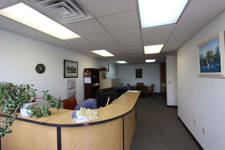 MONROEVILLE AREA OFFICE / WAREHOUSE SPACE FOR RENT