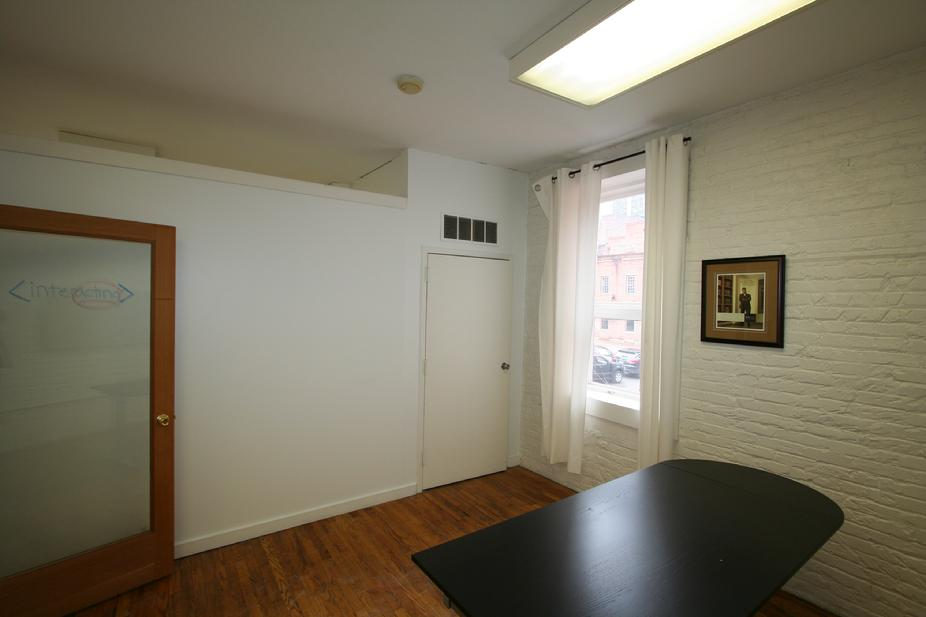 PRIME OFFICE STUDIO FOR RENT DOWNTOWN PITTSBURGH