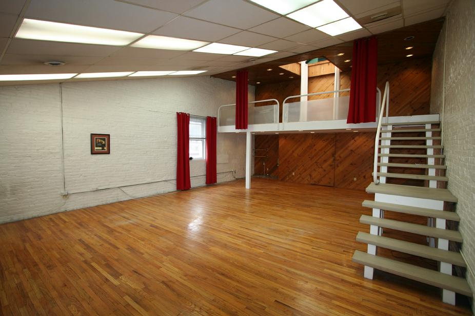 STUDIO SPACE FOR RENT DOWNTOWN PITTSBURGH NEAR POINT PARK